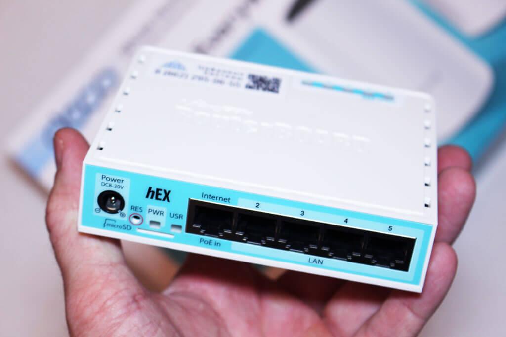 Mikrotik hEX RB750Gr3